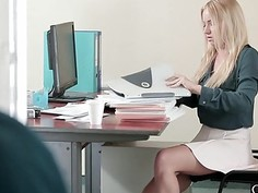 Spectacular babe Kiara Lord having hardcore office sex